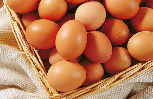"""一个月每公斤涨1.79元 鸡蛋成了""""火箭蛋"""""""
