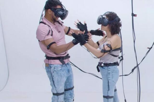 太奇葩 虚拟现实约会让人再也不想约会了