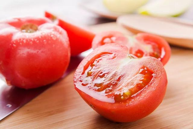 番茄小秘密:为什么是红色?熟吃还是生吃?