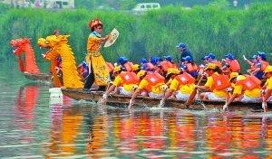 广阳龙舟申报国家遗产 5万市民冒雨参加龙舟会
