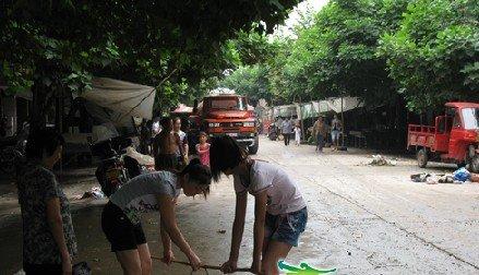 灾民回忆潼南大雨:街道变河道 惊魂一夜