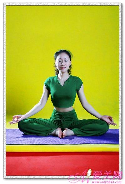 瑜伽小动作 筷子腿小蛮腰一次OK