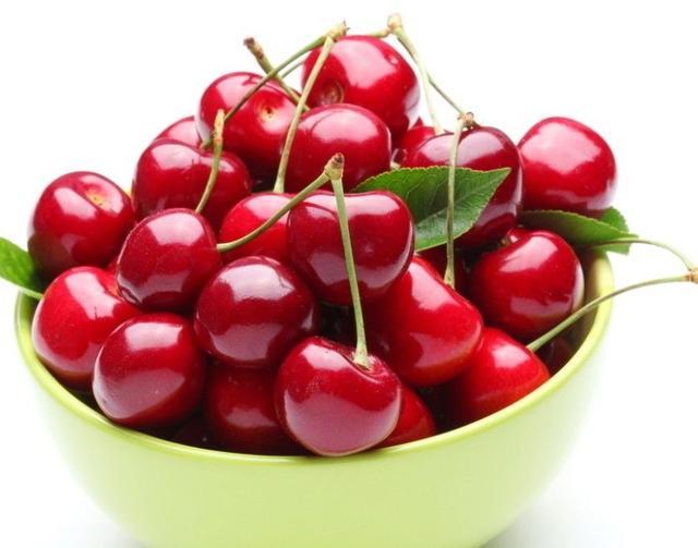 过节大吃大喝积毒素 节后排毒解腻吃3种水果