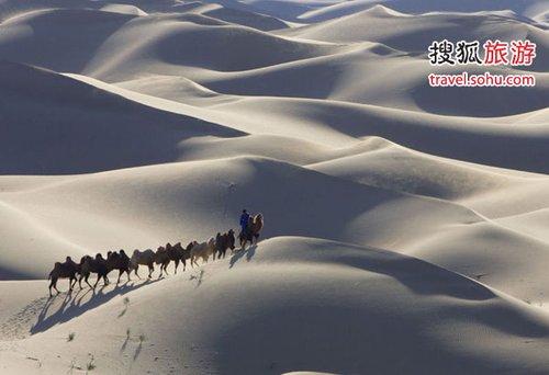 巴丹吉林旅游实用攻略-巴丹吉林庙海子 秋天内蒙古沙漠的美色图片