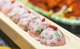这家火锅鲜肉太霸道 是肉娃的天堂
