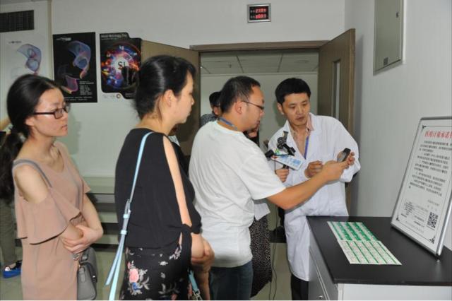 心脑电图监护仪、血压计如何工作?探秘医疗设备检测
