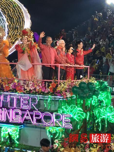 新加坡妆艺游行到底是啥?总统总理都参加