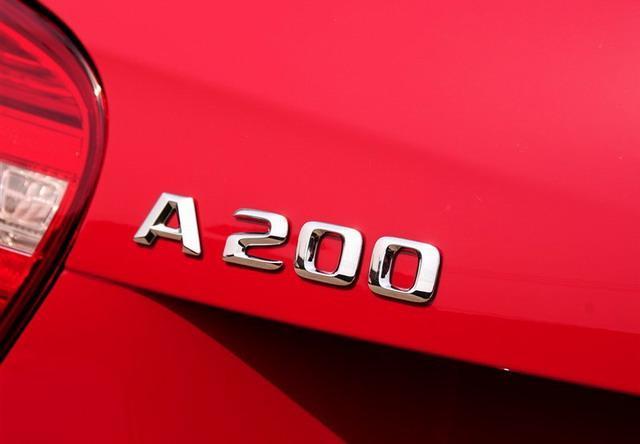 奔驰A级对比沃尔沃V40 新豪华运动两厢对决