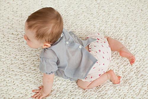 夏天要不要给宝宝穿袜子?图片
