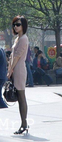 街拍美女盛产地 打望超养眼重庆辣妹子