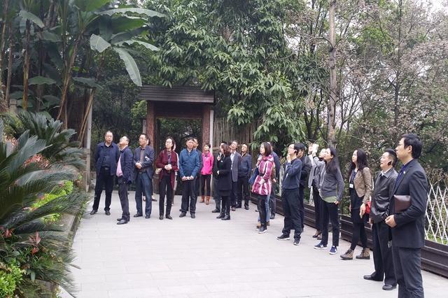53名学员烈士墓前重温入党誓词 为烈士敬献花圈