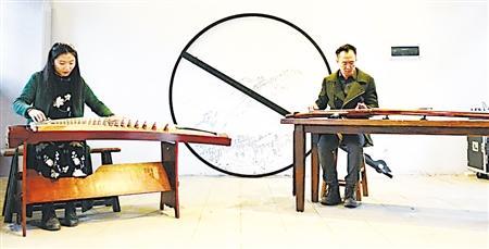 古风手绘男子弹琴
