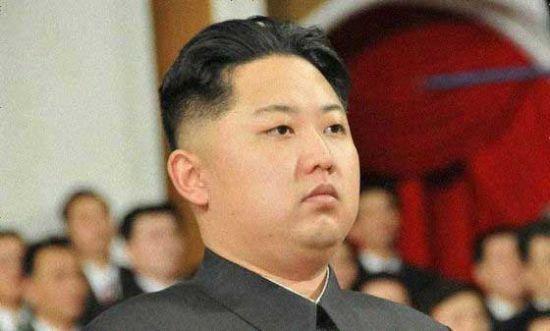 韩媒称金正恩头型眼镜增高鞋由妹妹一手打造