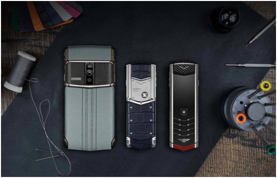 VERTU价值200万的手机现身WFC精品店