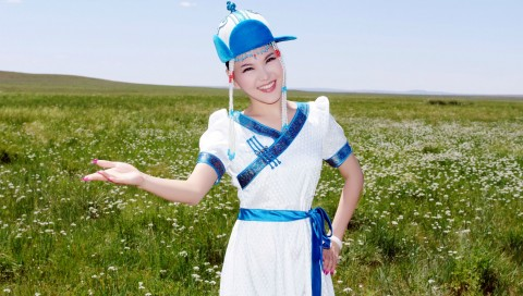 """乌兰图雅""""花开四季""""演唱会即将震撼开唱"""