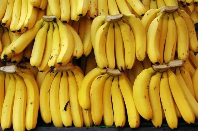 每天吃两根香蕉,30天后人体出现惊人变化