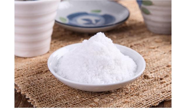 新研究称过量吃盐大概导致过敏性皮炎