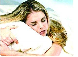 侧卧用厚枕不同睡姿配不同枕头