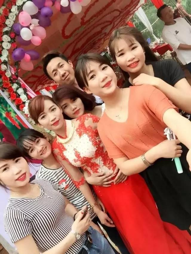 """越南美女跟风嫁重庆""""耙耳朵"""" 称婚后幸福惨了"""