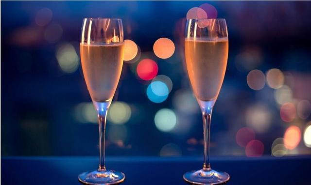 """可以通过""""气泡声""""来判断香槟的质量吗?"""
