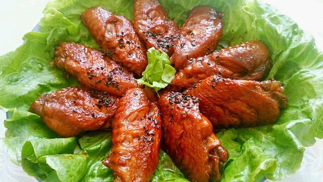 鸡翅里含脂肪多 摄入超标容易导致肥胖
