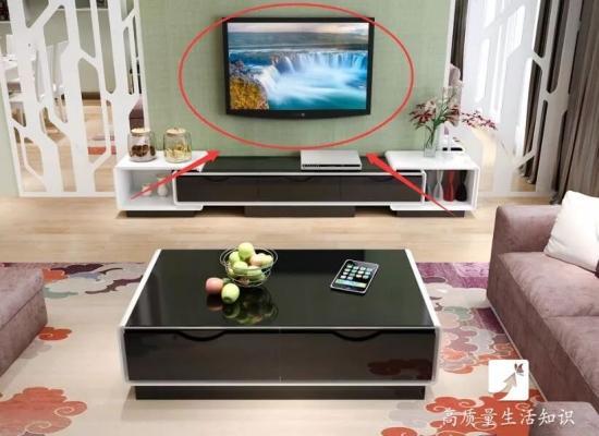 电视机挂墙上好还是放电视柜上好?区别真大