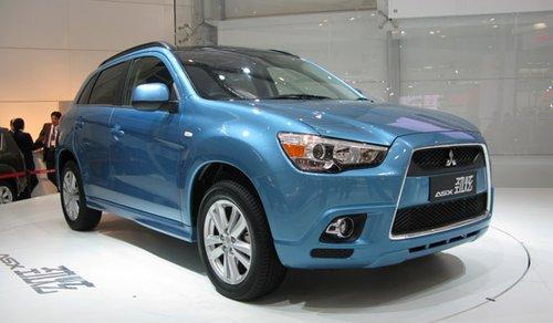 售的豪华紧凑型SUV【RVR】的中国版车型,它继承了以帕杰罗为代高清图片