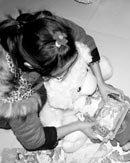单亲妈妈网上发帖为女儿征旧衣