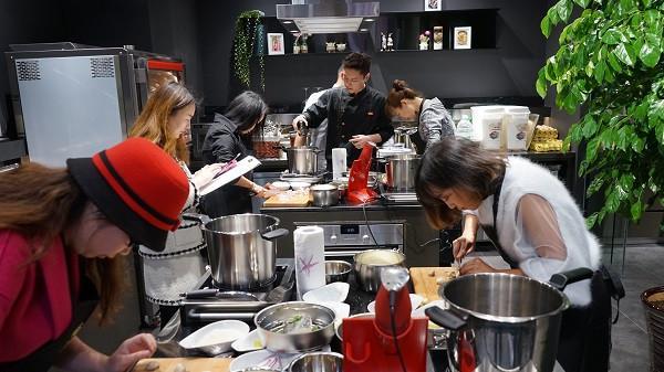 重庆首家菲仕乐学院开业啦