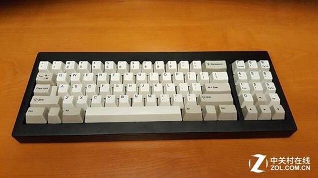 世上第一款PC键盘复刻版出炉 情怀好贵