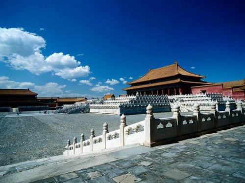 楼顶带游泳池的小别墅-九寨沟位于四川省北部,绵延超过72000公顷,曲折狭长的九寨沟山谷