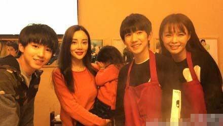 Chen Shen dream sun and Li Xiaolu and her daughter photo sweet hope shy covering her face and Tencent