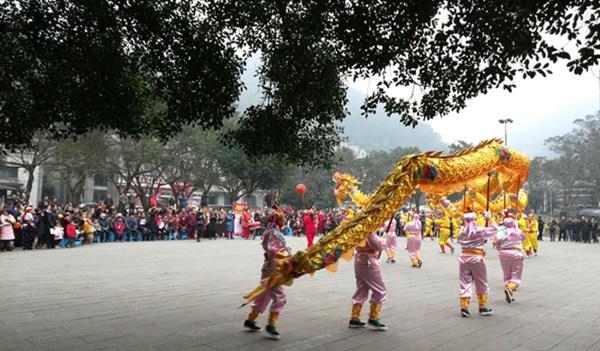 巴南:传统迎新节目再现南泉街道(图)