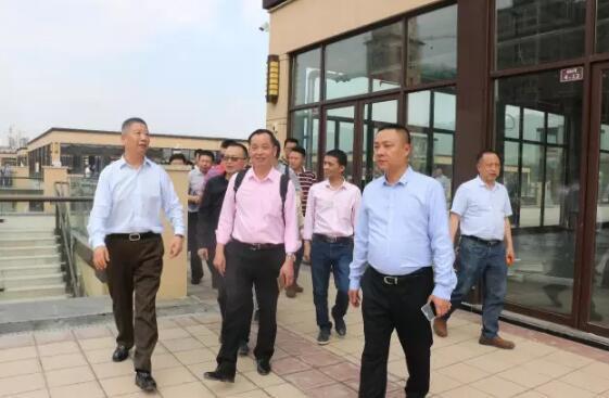 多家知名家居建材商投资黔江 入驻武陵山国际商贸城