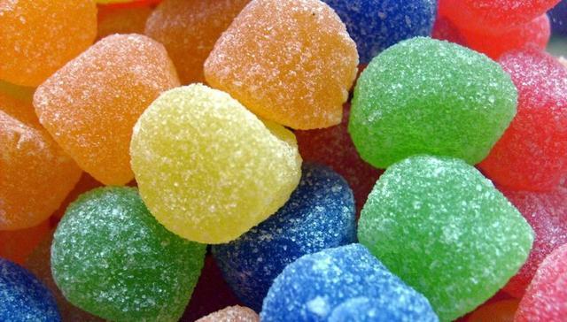 单独食用含糖量高的食品不会导致肥胖