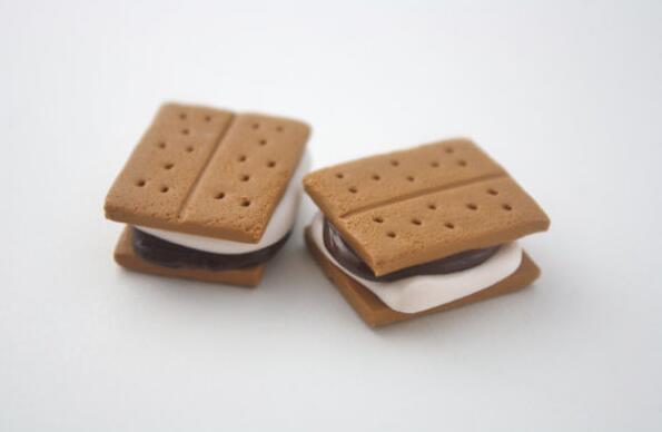 两款进口饼干  过氧化值超标