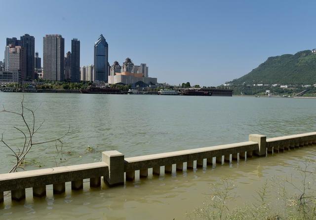 """三峡水位已到达173米 涪陵现""""平湖""""美景"""