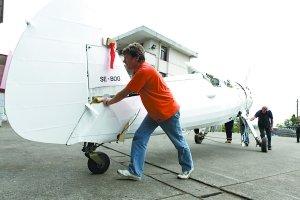 世界著名表演队下周重庆试飞 表演飞机已抵渝