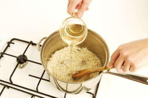 淘米次数越多越好吗 如何清洗大米最好?