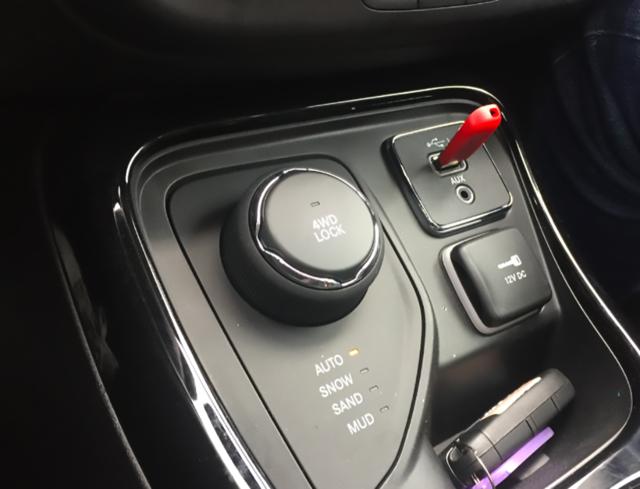全新Jeep指南者试驾评测:换装1.3T+9AT,会?#25442;?#21464;娘炮?