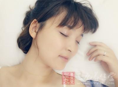 一定要有良好的睡眠品质,否则用再好再贵的保养品,也是无用的