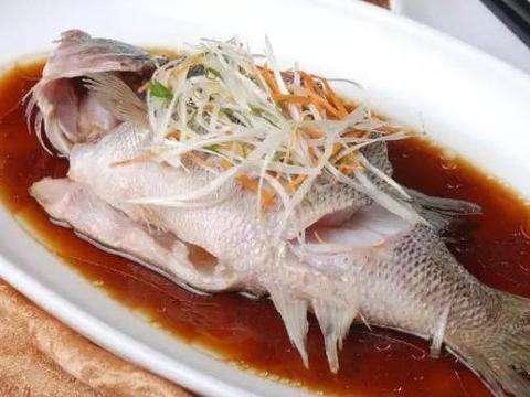蒸食物有很多讲究 清蒸鱼大火只需10分钟