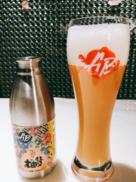 """艺术精酿啤酒罗飞:拿梁平柚酿""""柚货""""狂人"""