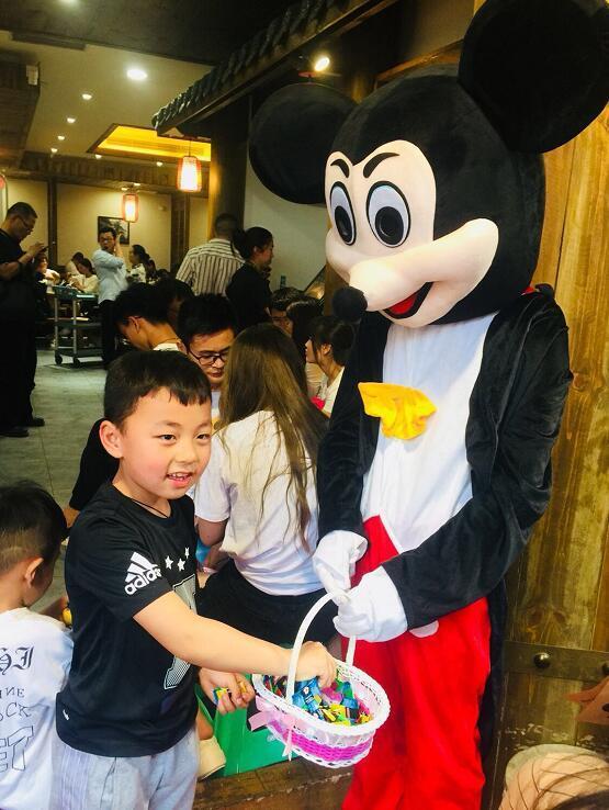 粤渝企业联手 好心情和重庆小天鹅进军糖果市场