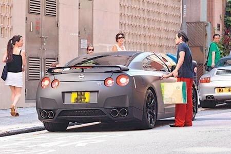 组图 明星们开什么车 周杰伦坐骑1300万 汽车高清图片