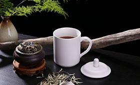 """酒楼被诉卖""""三无""""茶 消费者索十倍赔偿"""
