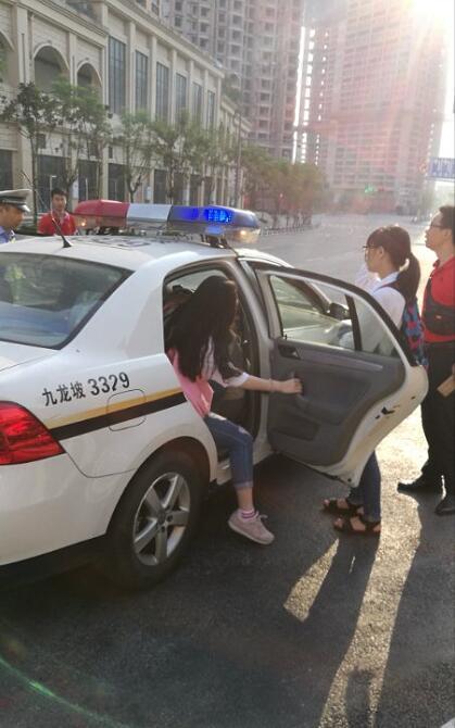 三名考生错过学校送考车 九龙坡交巡警紧急护送