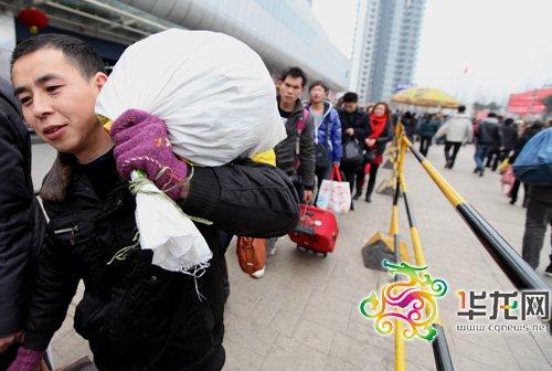 重庆汽车站至昆明西安海口 今日迁至南广场发