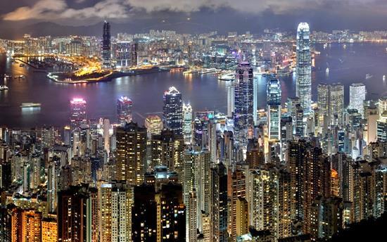 """五一""""假期没带旺香港 """"购物天堂""""如何不打烊"""