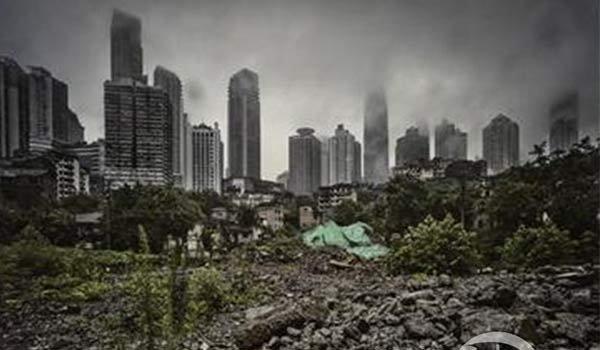 摄影师用镜头记录城市废墟之美